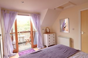 holiday cottage close to Padstow Cornwall Kingfishers master room with a view