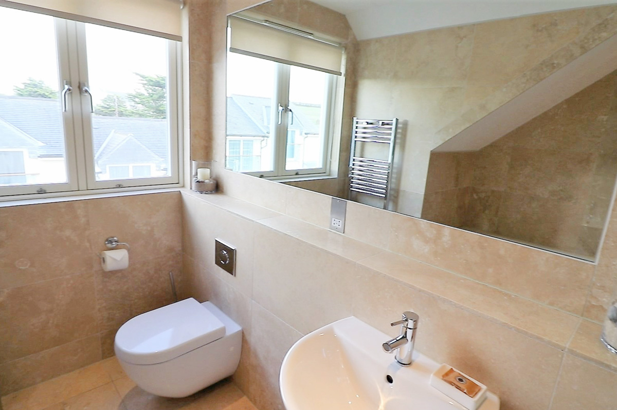 Trevose Ocean Blue Holiday apartment Cornwall WC