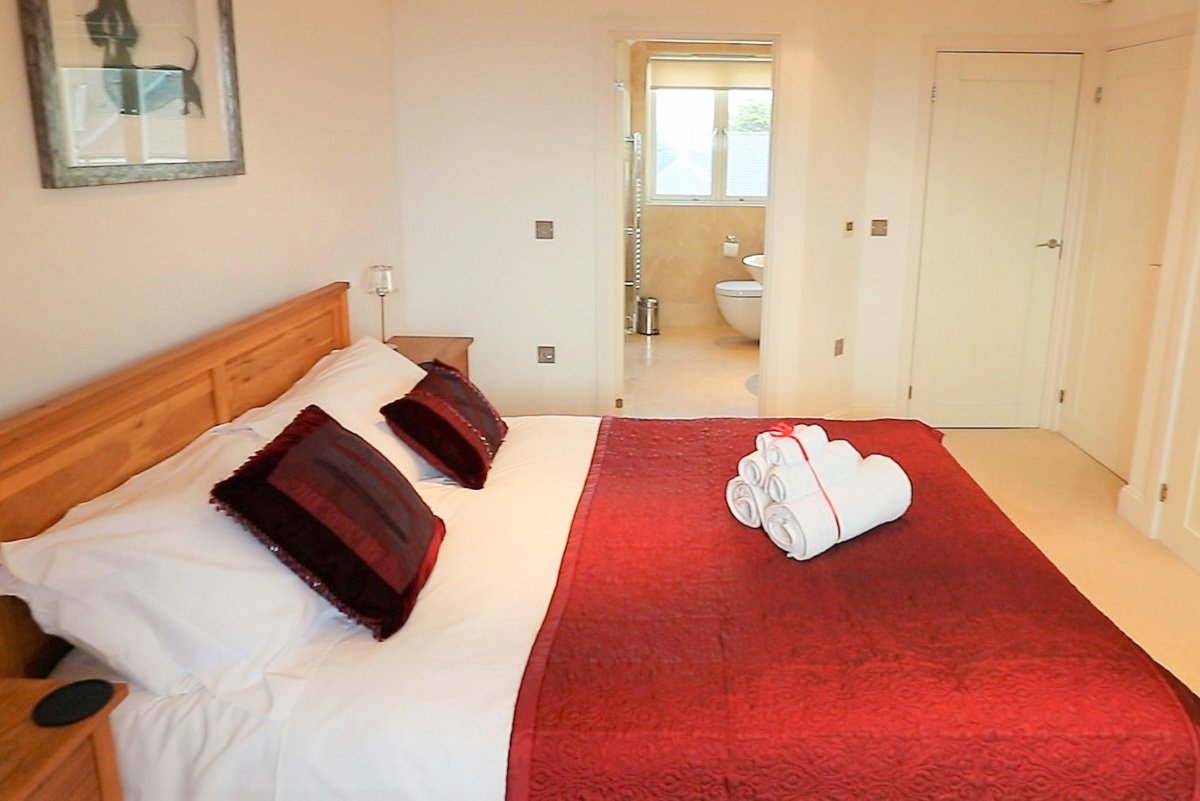 Trevose Ocean Blue Holiday apartment Cornwall double bedroom