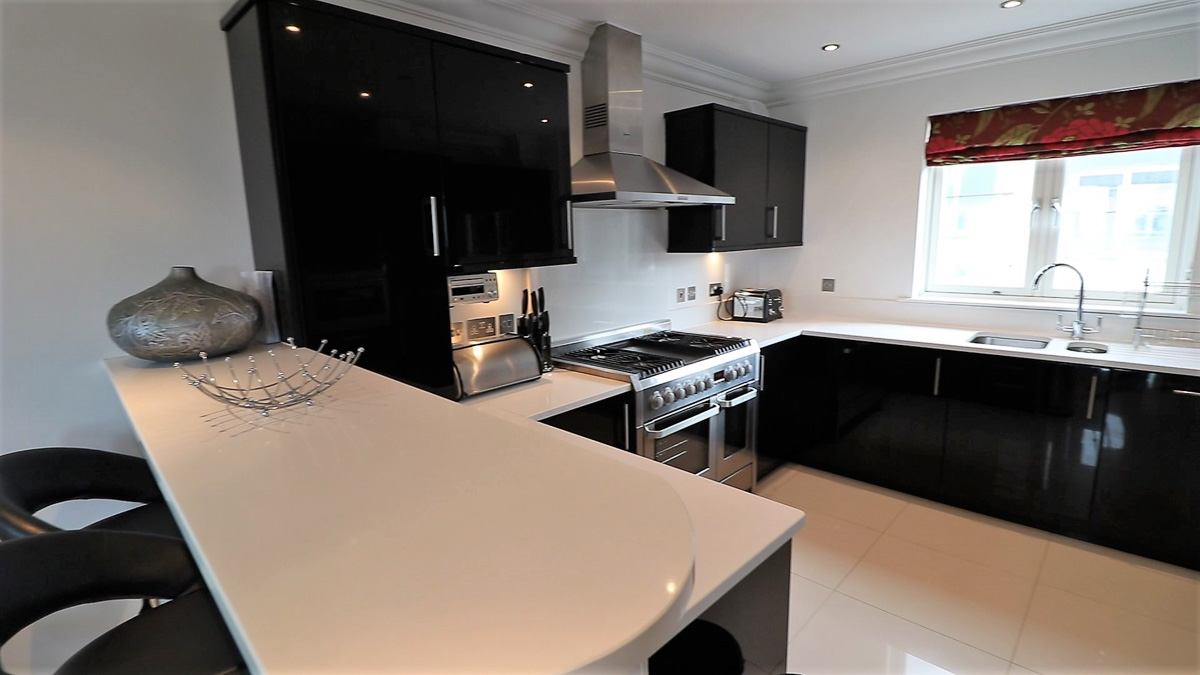 Trevose Ocean Blue Holiday apartment Cornwall kitchen