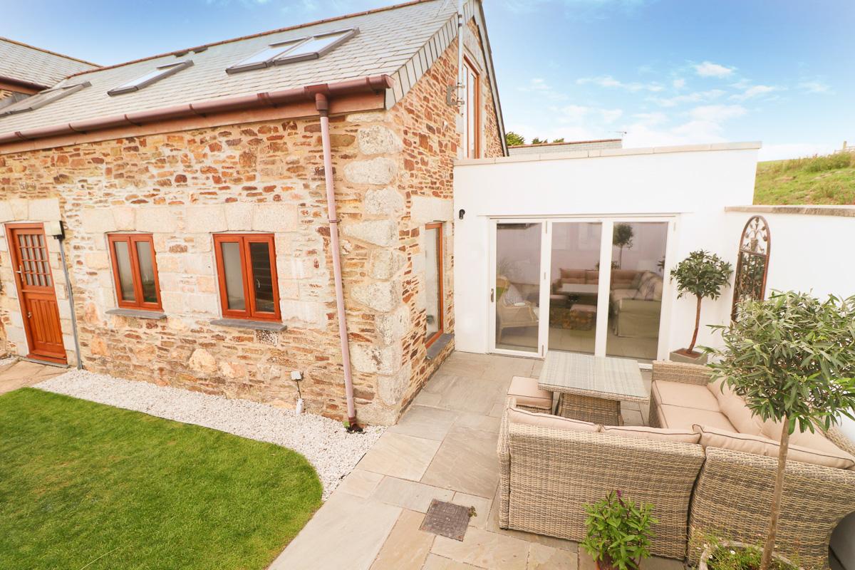 Trehelles Cornwall holiday cottage exterior