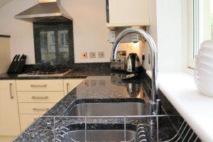 Bedruthan Holiday Cottage kitchen