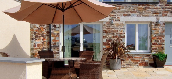 daymar holiday cottage cornwall outside space