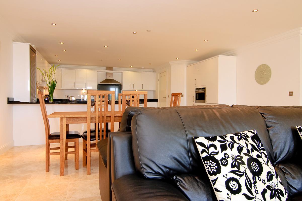 daymar holiday cottage cornwall large sofa