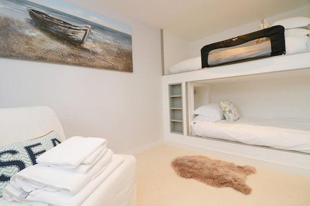 Trehelles Cornwall holiday cottage child's bedroom