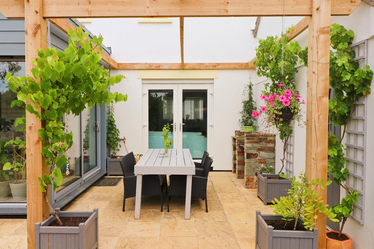 Waterhouse holiday home Cornwall garden room