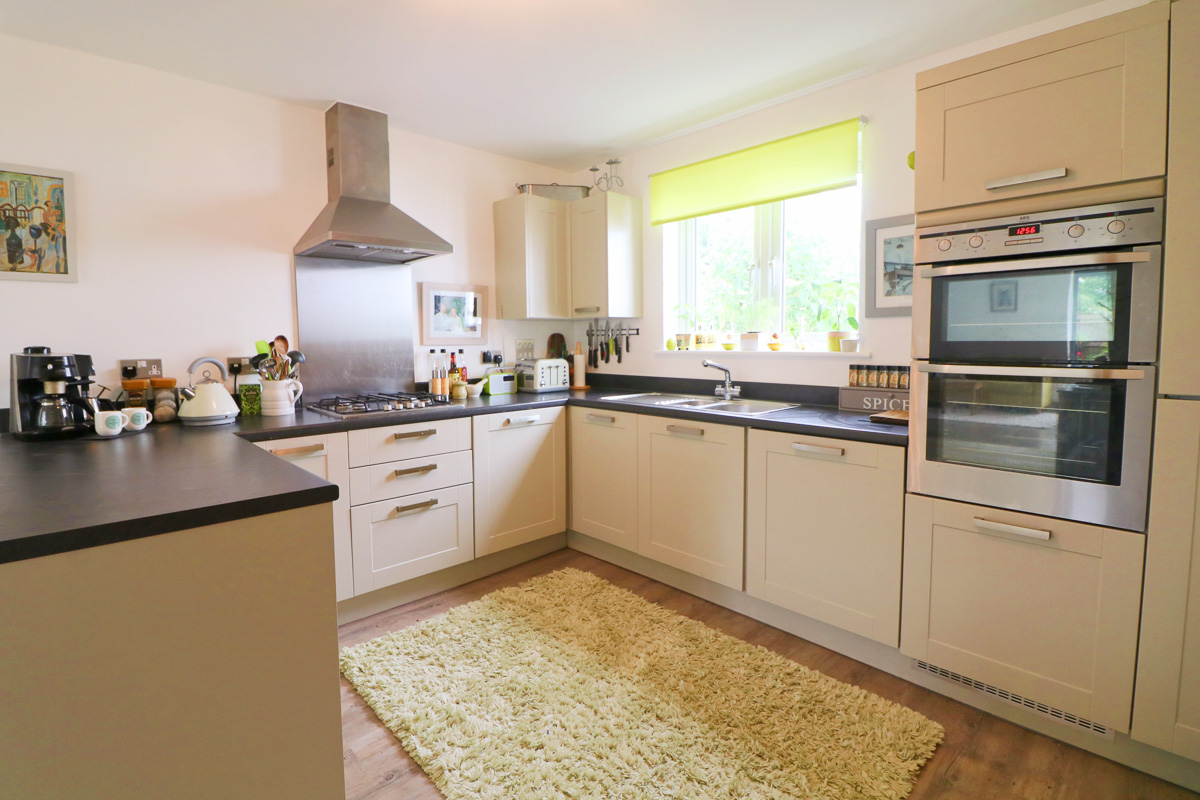 Waterhouse holiday home Cornwall kitchen