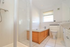 Number 15 Retallack holiday home Cornwall bathroom
